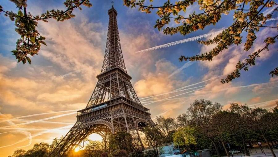 CM_Paris_resized.jpg