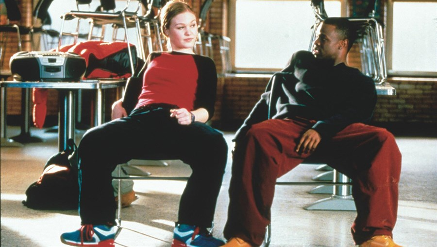 still-of-julia-stiles-and-sean-patrick-thomas-in-save-the-last-dance-(2001)-large-picture.jpg